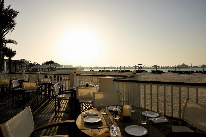 The St. Regis Abu DhabiTerasse
