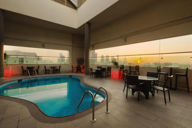 Ramada Abu Dhabi DowntownPool