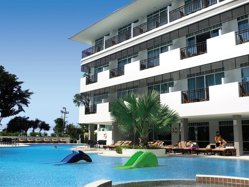 Pattaya Discovery BeachPool