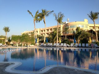 Hilton Al Hamra Beach & Golf Resort,