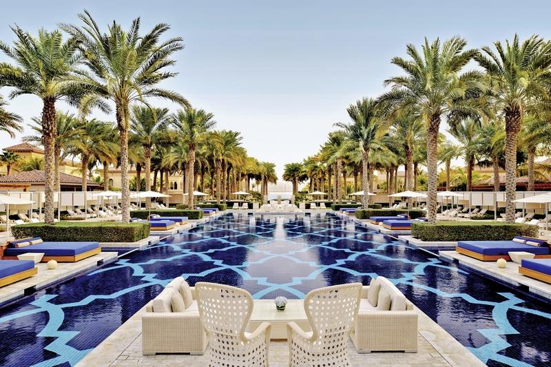 Dubai ab 2408 € 4