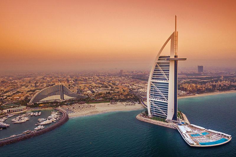 Dubai ab 3175 €
