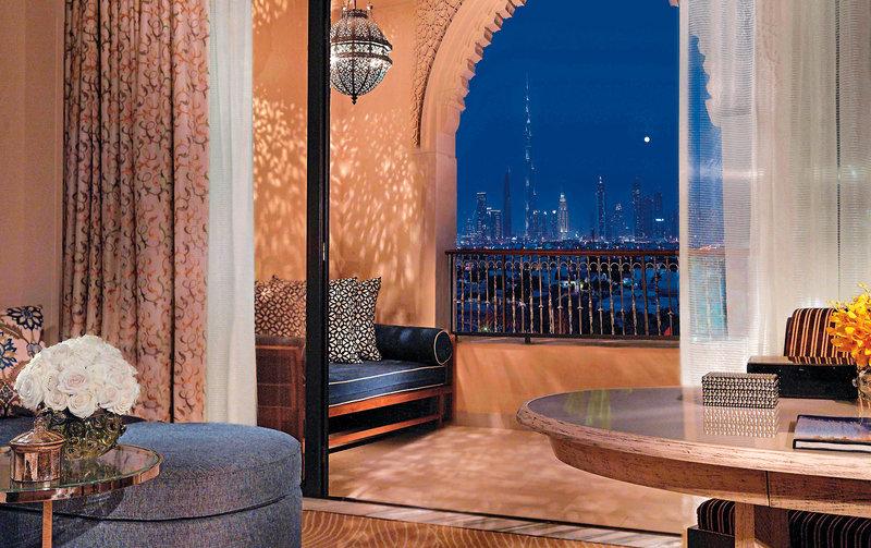 Dubai ab 2039 € 1
