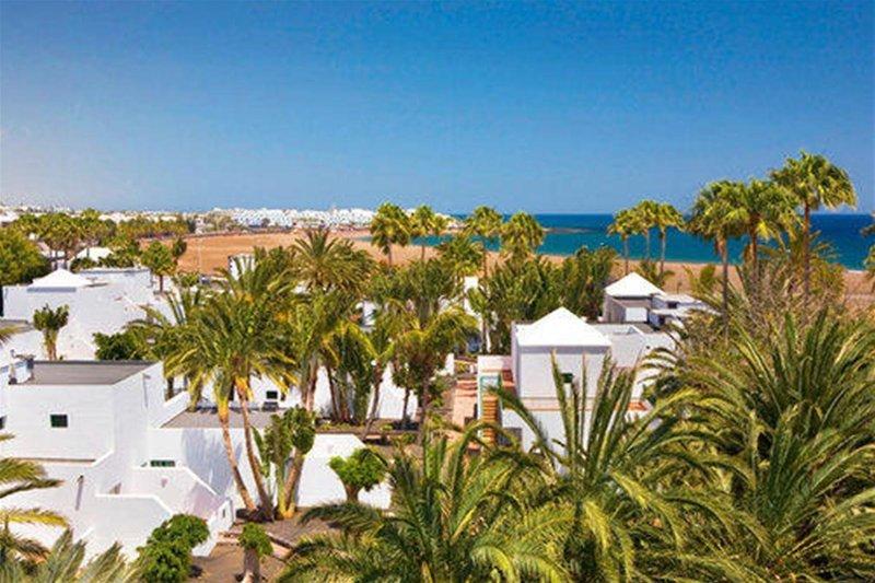 Playa de los Pocillos (Puerto del Carmen) ab 530 € 1