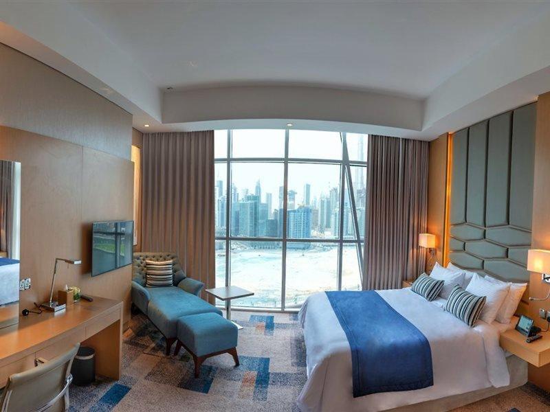 Dubai ab 597 € 3