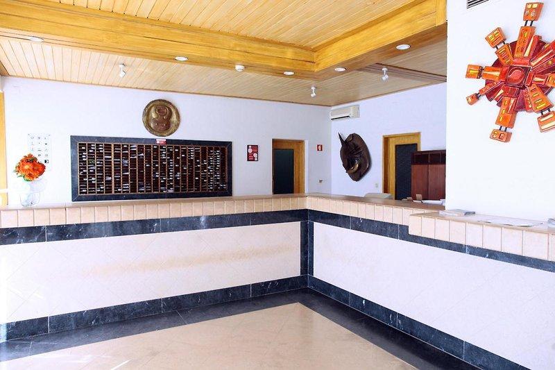 Albufeira Jardim - Apartamentos Turísticos in Albufeira, Algarve L