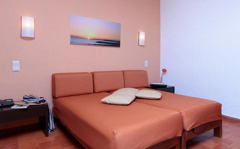Albufeira Jardim - Apartamentos Turísticos in Albufeira, Algarve W