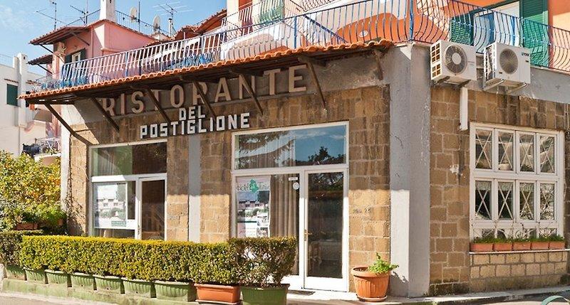 Del Postiglione in Ischia Porto, Ischia A