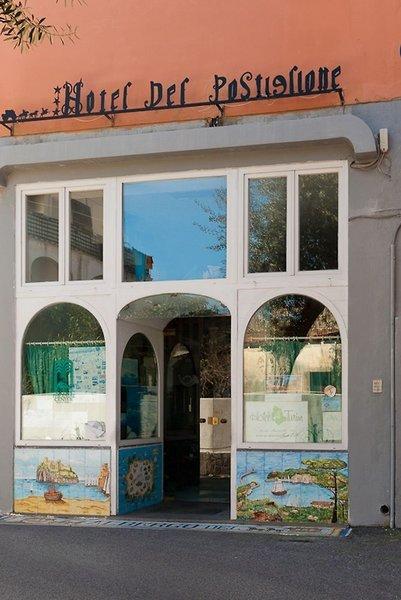 Del Postiglione in Ischia Porto, Ischia