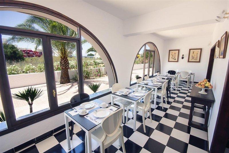 azuLine Hotel Galfi in Sant Antoni de Portmany, Ibiza R