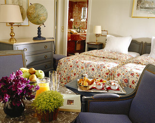 Hotel California Paris Champs Elysees Wohnbeispiel