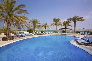 Hotel Hilton Al Hamra Beach & Golf Resort Pool