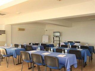 Hotel Callisto Holiday Village Konferenzraum