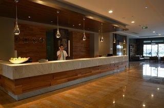 Hotel Port Side Resort Lounge/Empfang
