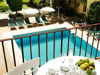 Hotel Monasterio De San Miguel Pool