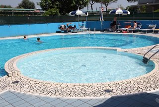 Hotel Ambassador Pool