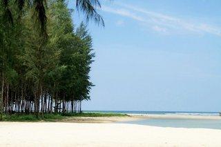 Hotel COOEE Apsara Beachfront Resort & Villa Strand