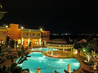 Hotel Ambassador Hotel Pool