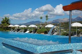 Hotel Acacia Resort Pool