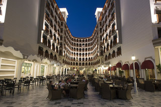 Hotel Quattro Beach Spa & Resort Bar