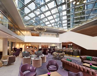 Hotel DoubleTree by Hilton Tower of London Bar