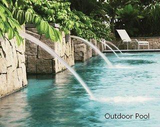 Hotel Amara Singapore Pool