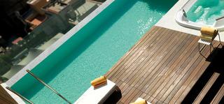 Hotel Condes de Barcelona Pool