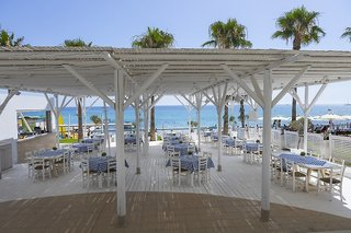 Hotel Constantinos The Great Beach Hotel Terasse