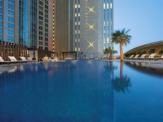 Hotel Sofitel Abu Dhabi Corniche Pool