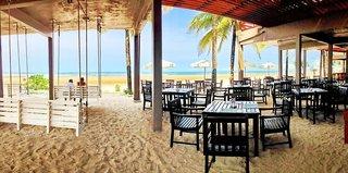 Hotel COOEE Apsara Beachfront Resort & Villa Bar