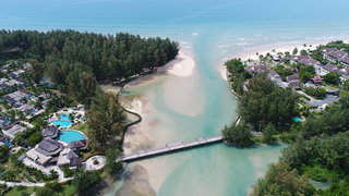 Hotel COOEE Apsara Beachfront Resort & Villa Außenaufnahme