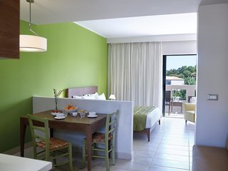 Hotel Atlantica Eleon Grand Resort & Spa Wohnbeispiel