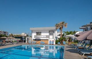 Hotel Maya Beach Pool
