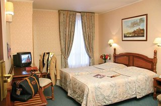 Hotel Hotel The Originals Paris Paix Republique Wohnbeispiel