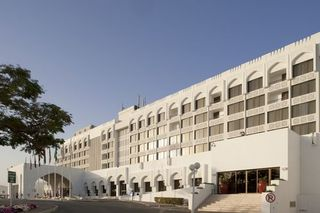 Hotel Crowne Plaza Muscat Außenaufnahme