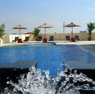 Hotel Amari Nova Suites Pattaya Pool