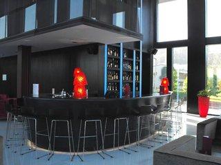 Hotel Axis Viana & Spa Bar