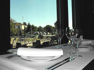 Hotel Axis Viana & Spa Restaurant
