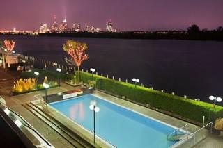 Hotel Hilton Vienna Danube Waterfront Pool