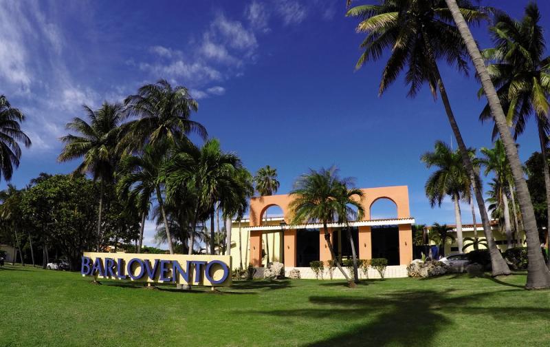 16-tägige Kombination: Busrundreise Klassisches Kuba undHotel Roc Barlovento