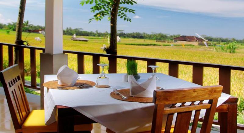 Alam Puisi Villa Restaurant