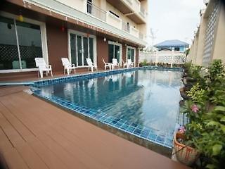 Convenient Grand Pool
