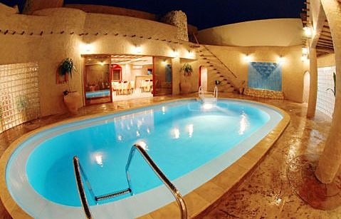Al Liwan Suites Pool