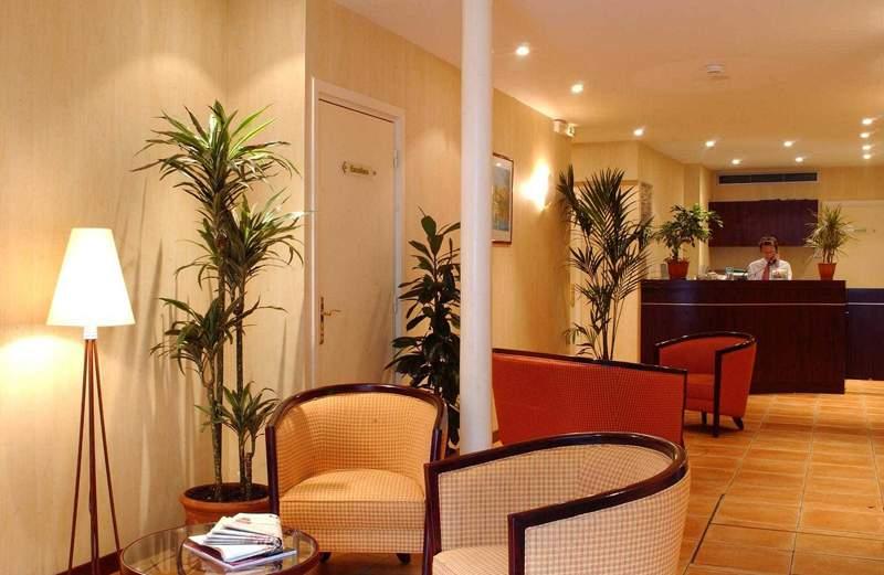 ibis Styles Paris Eiffel Cambronne Lounge/Empfang