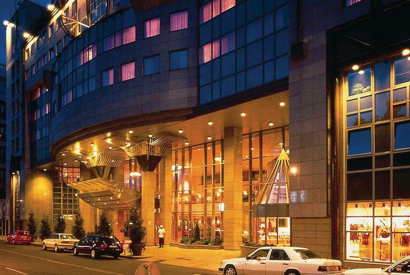 Kempinski Hotel Corvinus Außenaufnahme