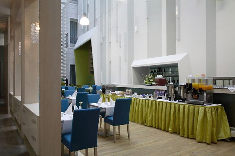 Atrium Fashion Restaurant