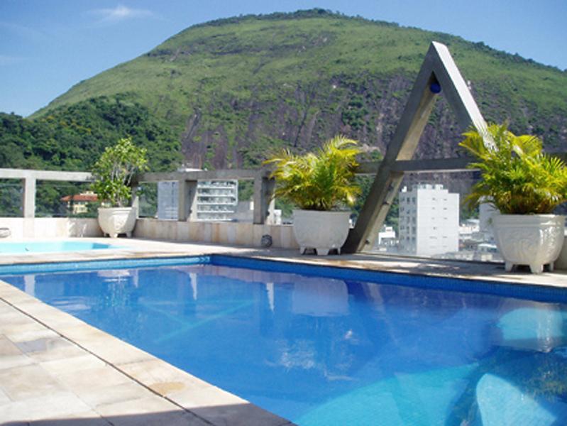 Augustos Copacabana Pool