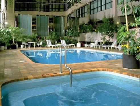 Delta Hotels Calgary Airport In-Terminal Pool