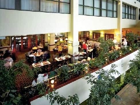 Delta Hotels Calgary Airport In-Terminal Restaurant