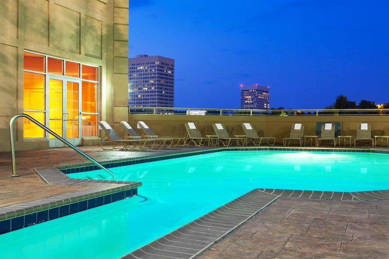 Sheraton Suites Galleria Pool